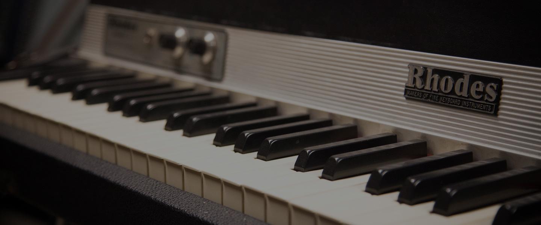 location backline caen claviers et pianos sc nes music 39 hemann. Black Bedroom Furniture Sets. Home Design Ideas