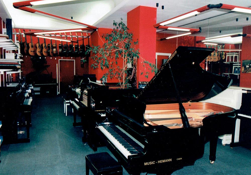1994 music 39 hemann. Black Bedroom Furniture Sets. Home Design Ideas